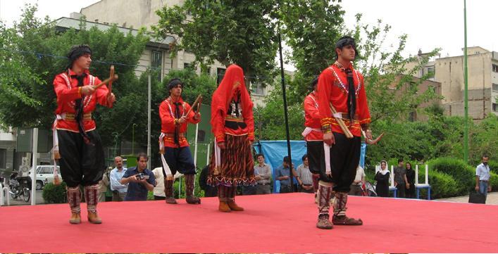 نمایش بوک و زاوا (عروس و داماد)