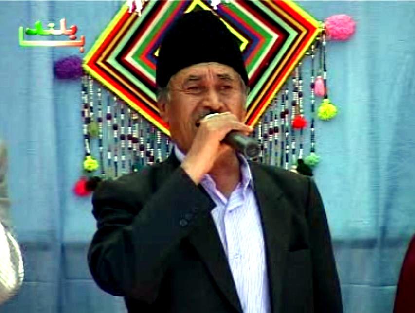 حسین عزیزی خواننده کهنه کار