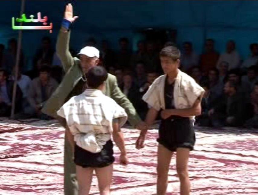 برگزاری کشتی با چوخه در عروسی کرمانج های شمال خراسان