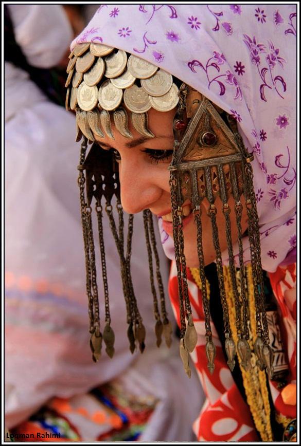 رقص زنان کرمانج در جشن ختنه سوران آقای حسین پور در منطقه ی تکمران شیروان